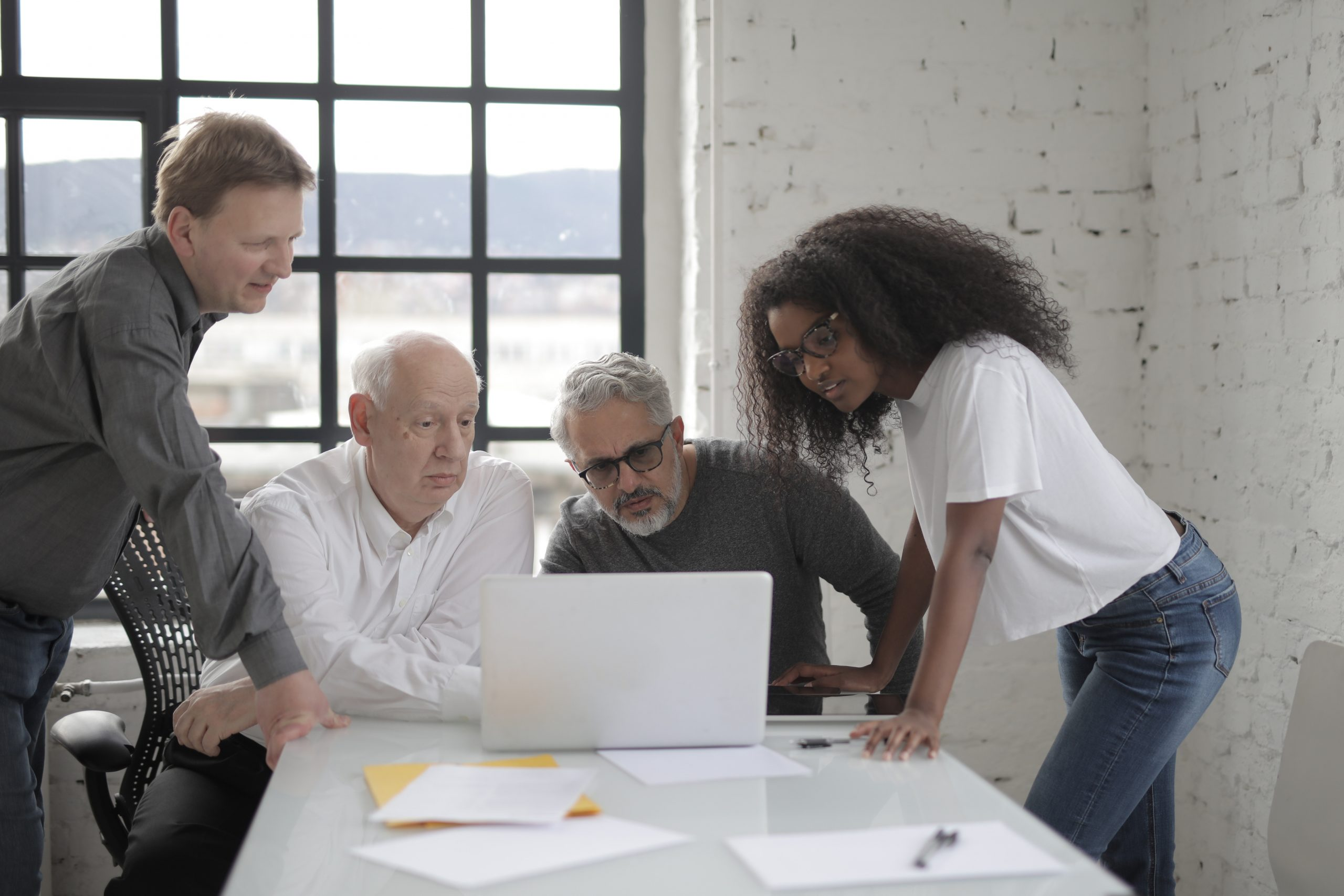 5 Recruiting Tips for Attracting a Multigenerational Workforce