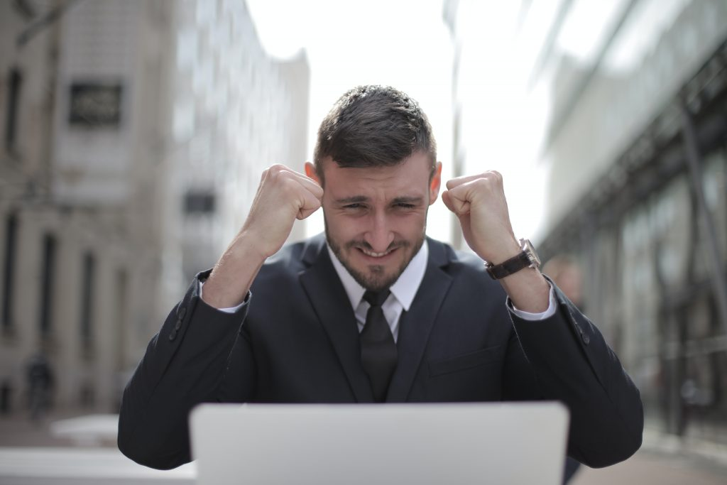 Sales Recruiters Explain How Sales Professionals Can Bounce Back Quickly After a COVID Job Loss