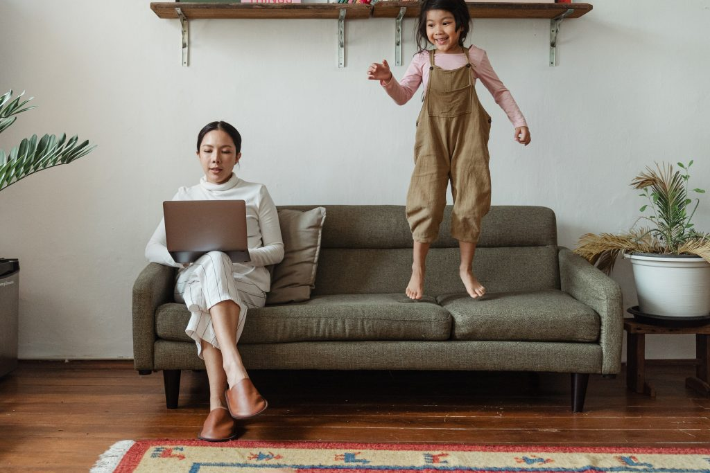 Executive search firm explains the pros and cons of hiring a remote work director