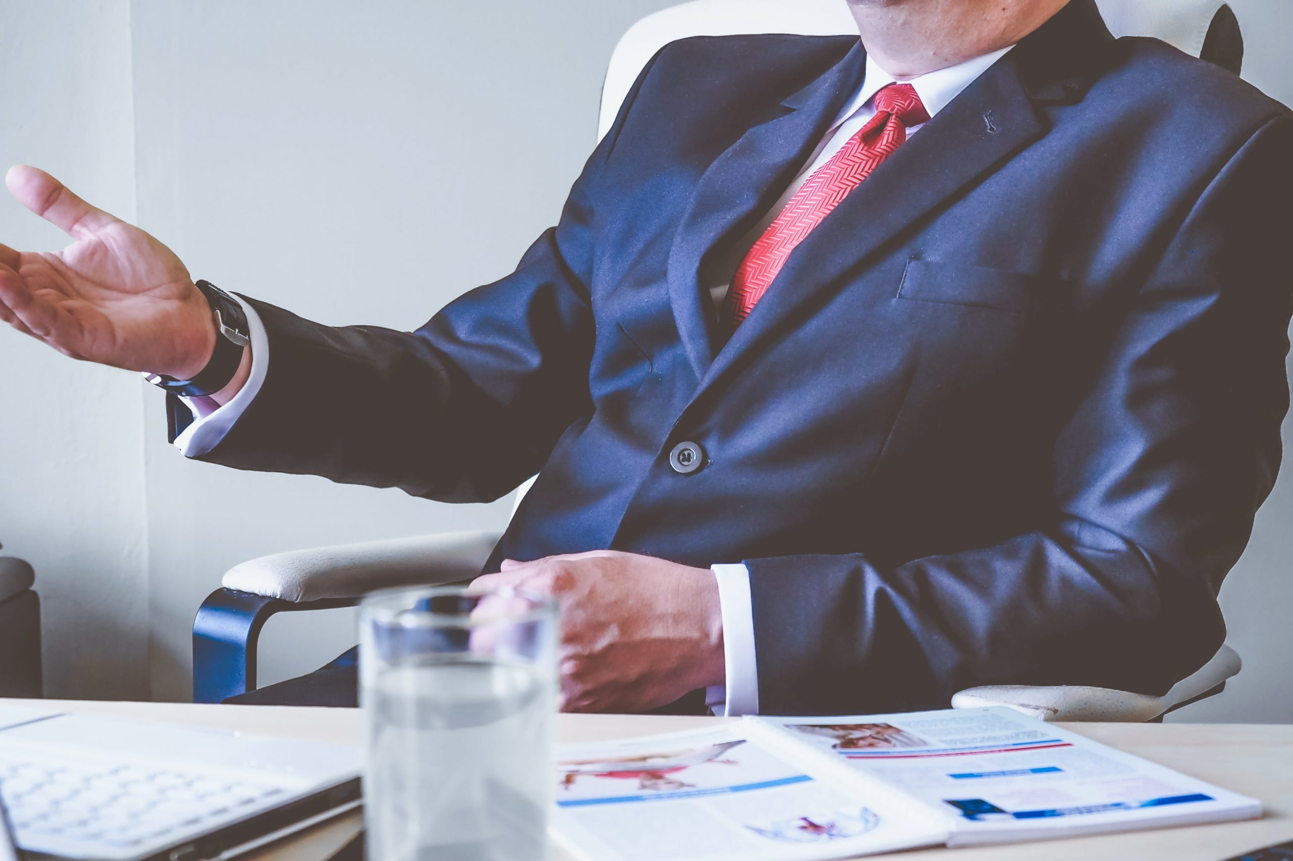 Struggling to Hire Rockstars for Your Organization? 4 Signs Management Is the Issue