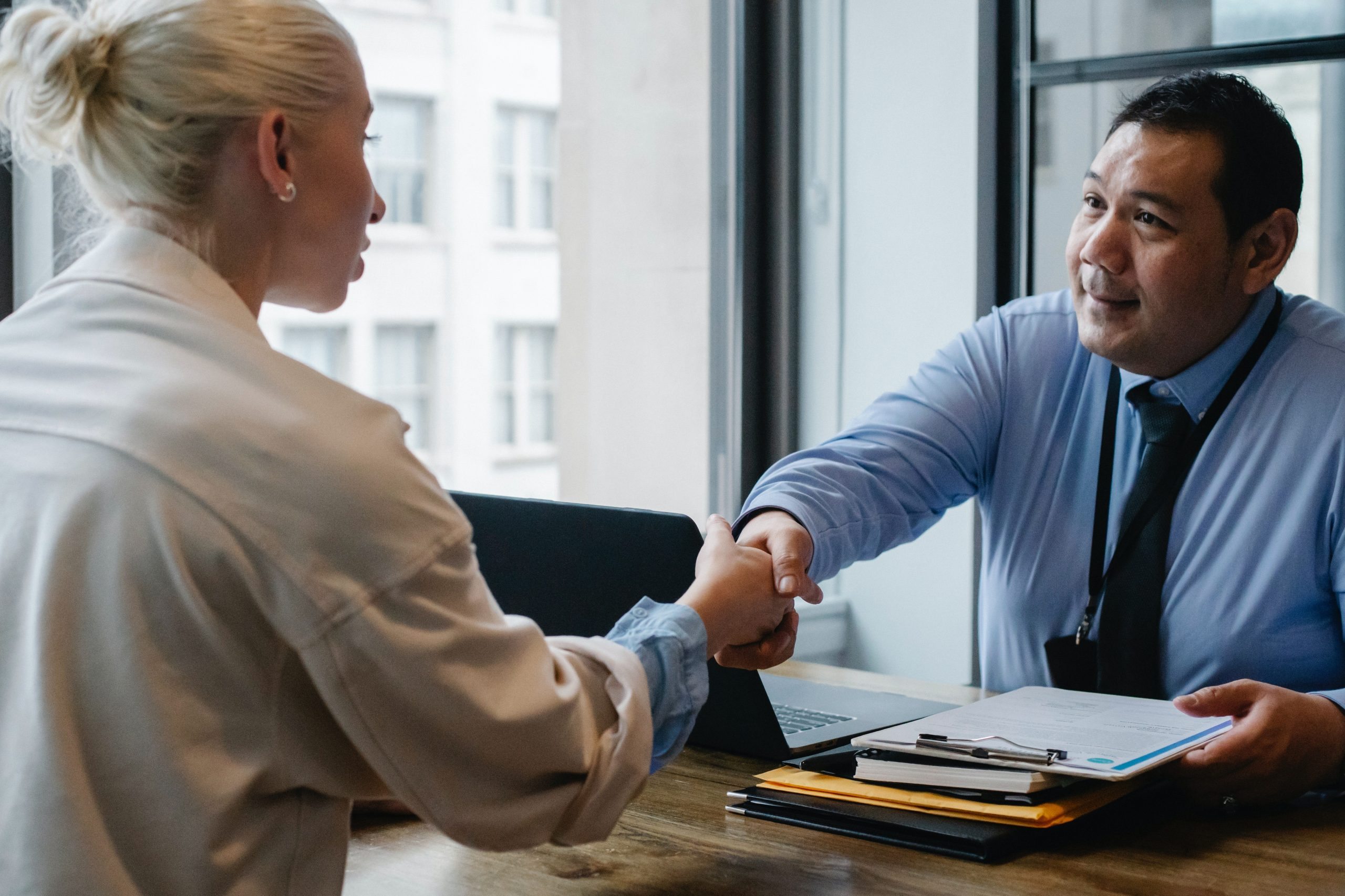 4 Questions You NEED to Ask Employers at the End of Your Job Interviews